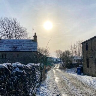Sun desperate to burn through. Seeing so many photos from the frozen North - not surprised it's a corker of a day #snow #winter #snowday #wintersun #sky #zerodegrees